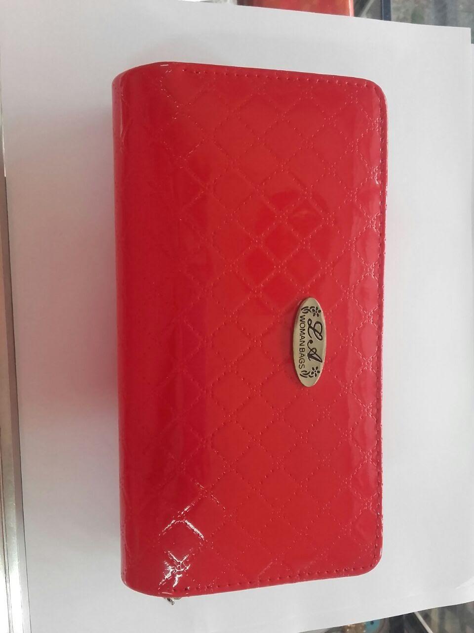Billeteras Rojas para la bienvenida del año nuevo